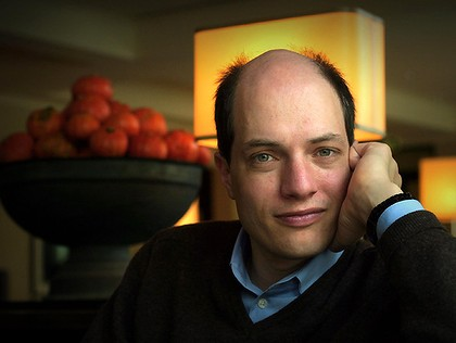 Alain-De-Botton-Close-420x0